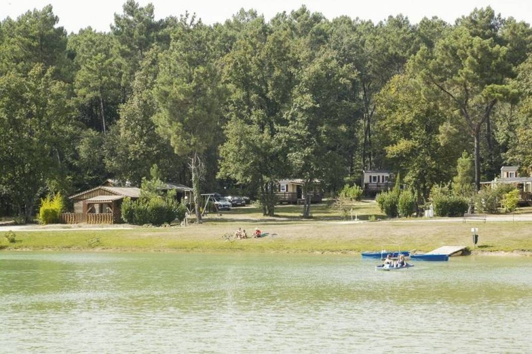 Camping Orphéo Negro vue lac et MH