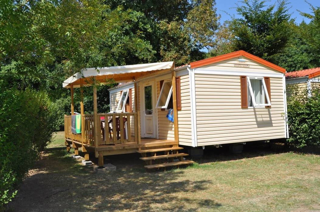 Camping-Cigaline-Montpon-camion-mobil-home