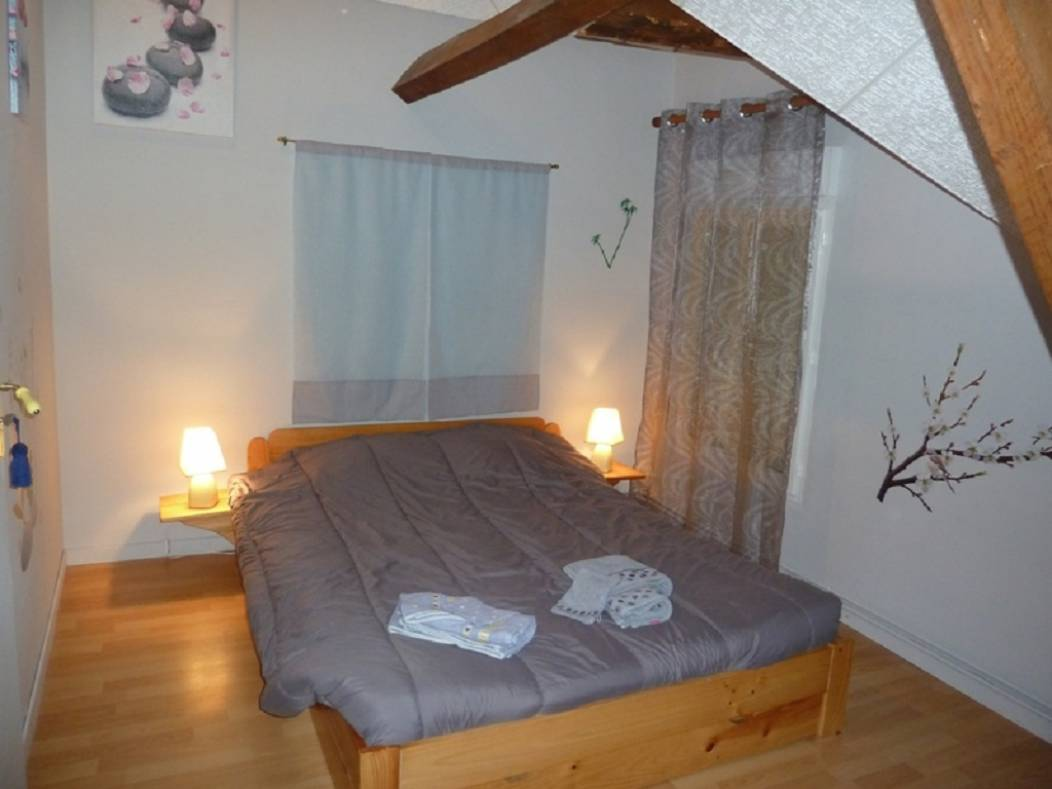 ch-hotes-chatenet-echourgnac-chambre grise