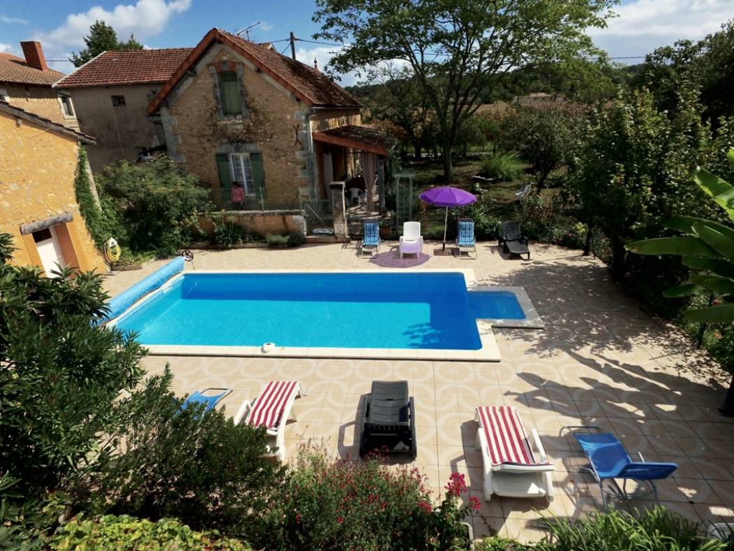 gite-lauriere-piscine-sourzac